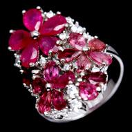 Серебряное кольцо 925 пробы с натуральным рубином и турмалином Размер 18