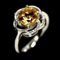 Серебряное кольцо 925 пробы с натуральным цитрином Размер 17